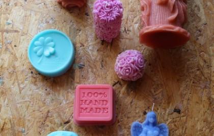 Výroba mydiel a sviečok s lektorom