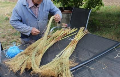 Ukážka výroby cirokovej metly