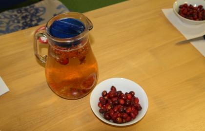 Čistenie šípok a príprava čaju
