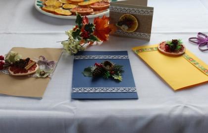 Výroba vianočných pohľadníc s čipkou