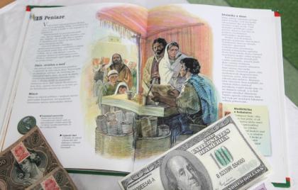 Diskusia o peniazoch a bezpečnosti seniorov